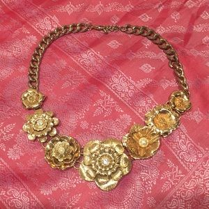 Gold floral statement necklace like new EUC